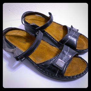 Naot Navy Leather Sandals Size US 9-9.5 EU 40
